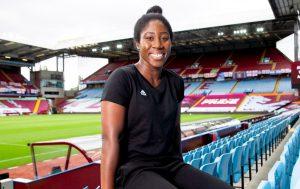 Asante signs for the Aston Villa women